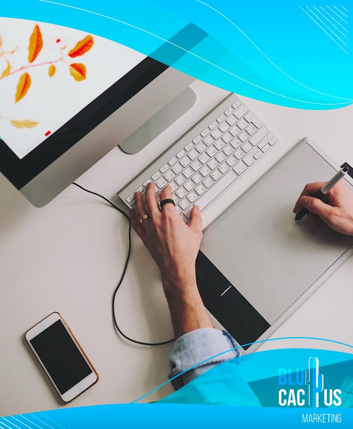 BluCactus - Diseñador pintando en un tablet