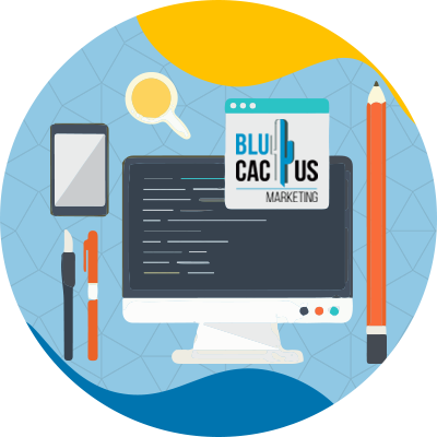 BluCactus - computadora con el logo de una agencia de mercadotecnia animado
